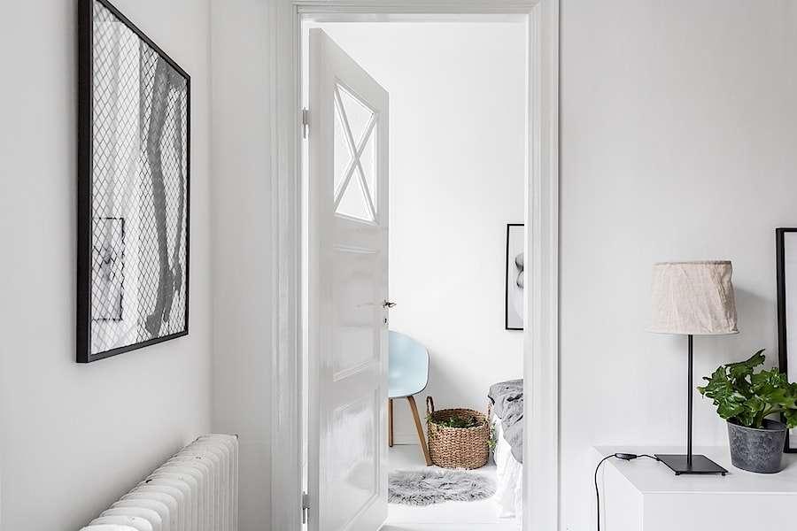 Paredes grises puertas blancas puertas blancas with for Puertas blancas paredes grises